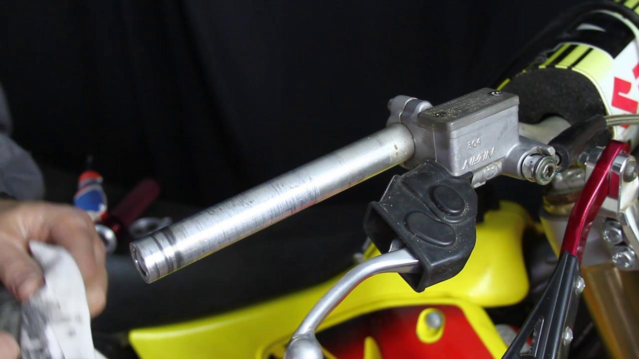 2 Stroke Throttle Tube Removal & Installation