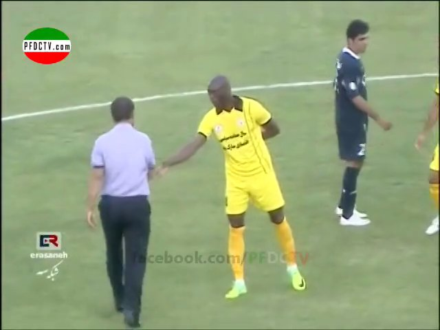 Firooz Karimi – racist behavior towards foreign player !