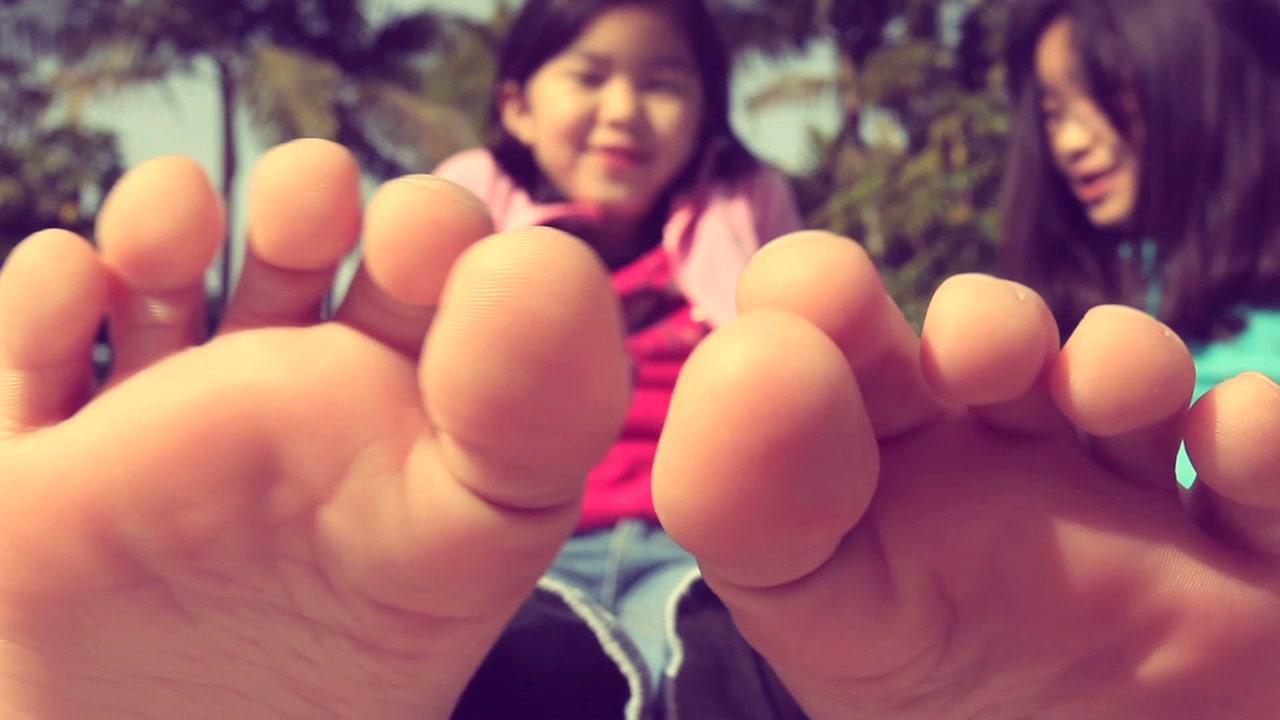 teen feet tiny